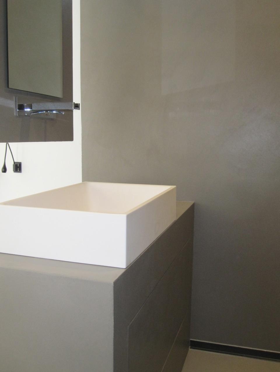 Resine bagno idee creative di interni e mobili - Resina per bagno ...